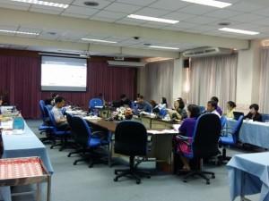 ประชุมคณะกรรมการบริหารวิทยาลัยฯ เพื่อวางแผนนโยบายและกำหนดแนวทางในการพัฒนาระบบสารสนเทศ ของวิทยาลัยการสาธารณสุขสิรินธร จังหวัดขอนแก่น ประจำปีงบประมาณ 2559
